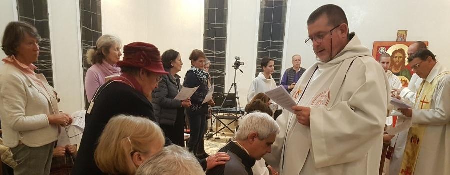 Consécration aux deux Saints Cœurs Unis a eu lieu les 1er et 2 décembre 2018, à Saintes (cliquezici)