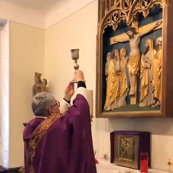 Suivez la Messe célébrée en direct par Mgr Aillet depuis sa chapelleprivée