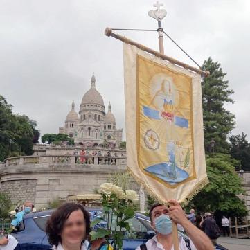 bannière devant Montmartre